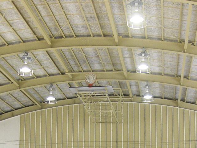 体育館の天井.jpg