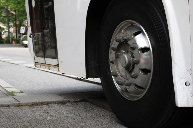 Bus_tire.jpg