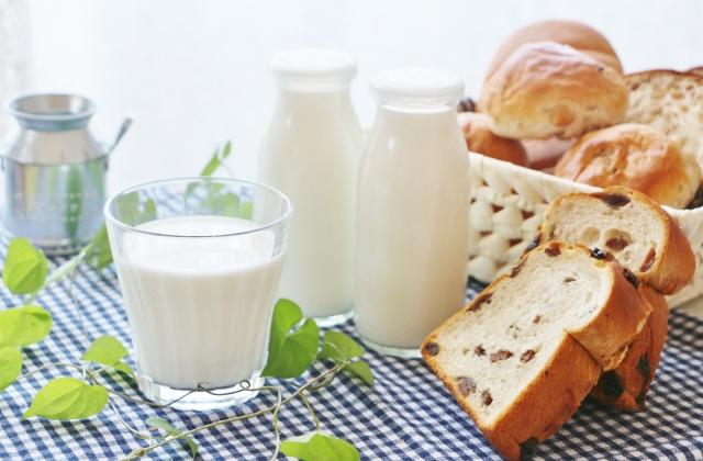 milkandbread.jpg